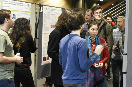 In December 2018, the first department-wide poster session was a complete success.